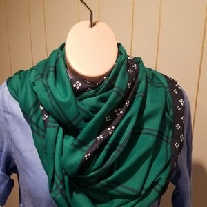 NWT Abercrombie and Fitch  loop scarf